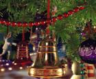 Dzwonki świąteczne z liśćmi