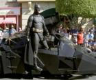 Batman w jego Batmobile