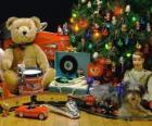 Fajny świątecznych prezentów pod choinką