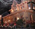 Dom urządzony na Boże Narodzenie