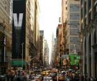 Ulicy w mieście Nowy Jork z wysokich budynków i wieżowców