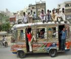 Autobus Karaczi