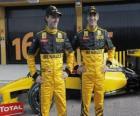 Robert Kubica i Witalij Pietrow, pilotów Renault F1 Scuderia