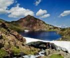 Carlit jest najwyższy szczyt francuskiego departamentu Pyrenees Orientales