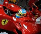 Fernando Alonso, przygotowuje się do wyścigu Ferrari
