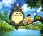 Tororo, król lasu i przyjaciele w filmie anime Mój sąsiad Tororo