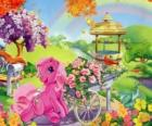 My Little Pony otoczony kwiatami