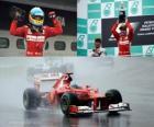 Fernando Alonso świętuje zwycięstwie w Grand Prix Malezji (2012)
