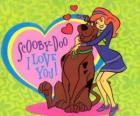 Daphne obejmując Scooby Doo