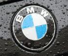 logo BMW, niemiecka marka samochodu