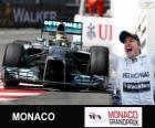 Nico Rosberg świętuje swoje zwycięstwo w Grand Prix Monako w 2013 roku