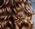 Włosy faliste