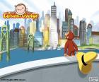 Małpa Ciekawski George przestrzegając duże miasto