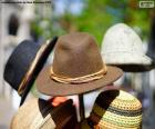 Tradycyjne niemieckie kapelusze wełny i słomy