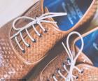 Buty ze skóry człowieka