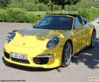 Porsche 911 Targa 4 kolor żółty, dostępne są trzy wersje: Targa 4 (349 HP), Targa 4S (400 HP) i Targa 4 GTS (430 HP)