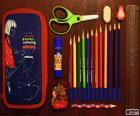 Piórnik dla szkoły i część przyborów szkolnych niezbędne