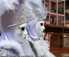 Białe maski