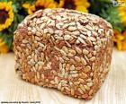Chleb z nasion słonecznika