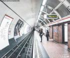 Stacją Metro w Londynie