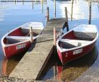 Dwie łodzie wiosłowe