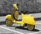 Vespa żółty