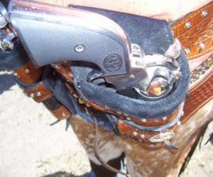 Układanka Revolver, zapakowane w futerał
