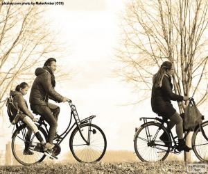 Układanka Rodzina na rowerze
