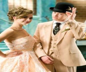 Układanka Ryan Evans (Lucas Grabeel) wraz Kelsi Nielsen (Olesya Rulin) w musicalu