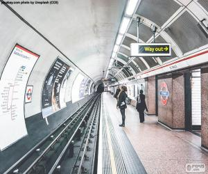 Układanka Stacją Metro w Londynie