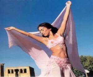 Układanka Taniec profesjonalnego tancerza podczas występu