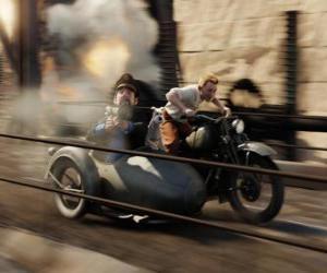 Układanka Tintin jazdy wózkiem z przyjaciółmi w jednej z jego przygód