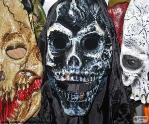 Układanka Trzy maski Halloween
