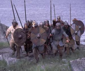 Układanka Wikingowie wysiadania z łodzi w pełni uzbrojone i tarczę i włócznię w ręce