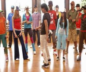 Układanka Wokalista Shane Gray (Joe Jonas), co daje dance class