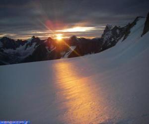 Układanka Wschód słońca na górze