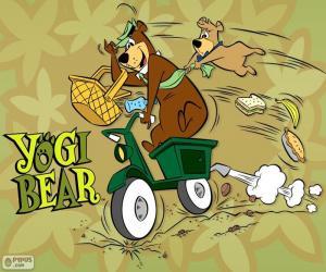 Układanka Yogi i Boo-Boo nosi na motorze
