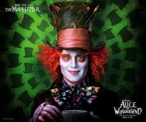Układanka Zwariowany Kapelusznik (Johnny Depp), postać, która pomaga Alice